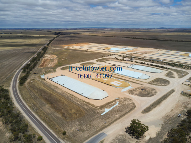 Bulk grain storage Lock South Australia