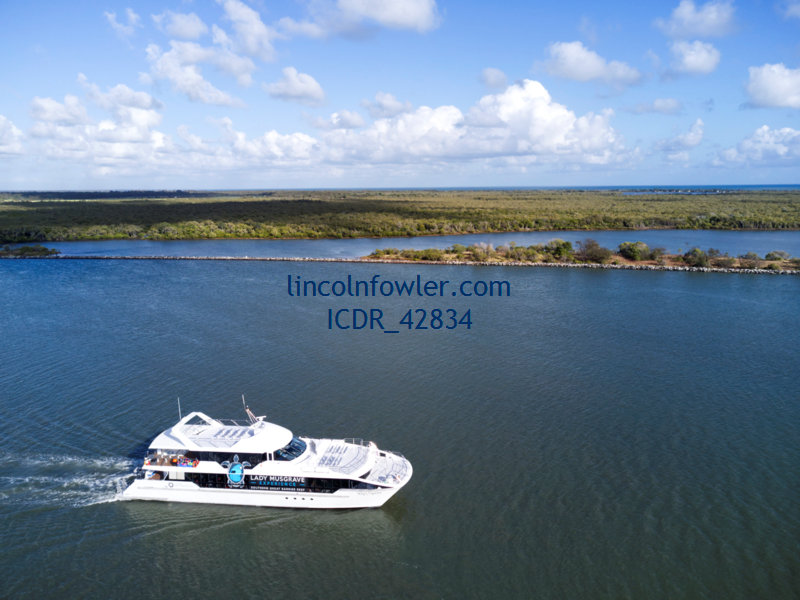 Lady Musgrave Island day cruise boat